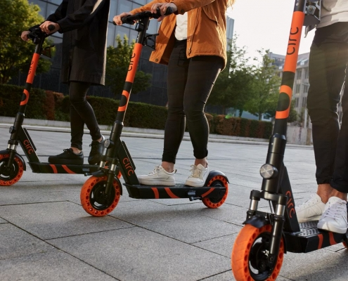 Circ's electric scooters with solid tires and swapable batteries