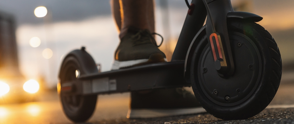 how do electric scooters work