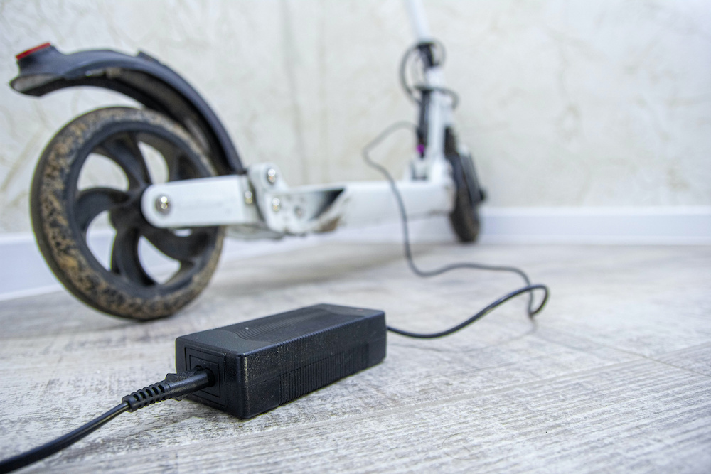 how to charge electric scooter